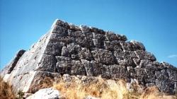 Πυραμίδες στην Αρχαία Ελλάδα